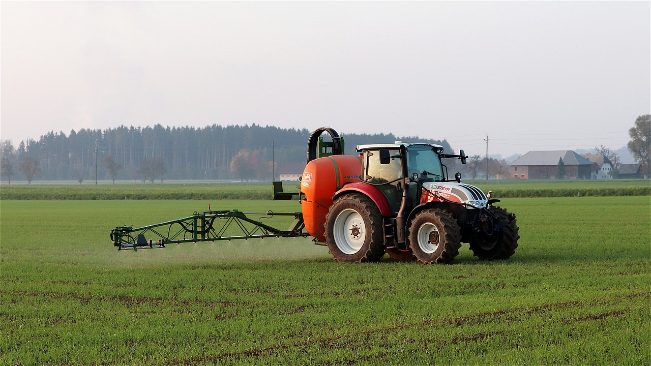 tractor-4575136_1280.jpg