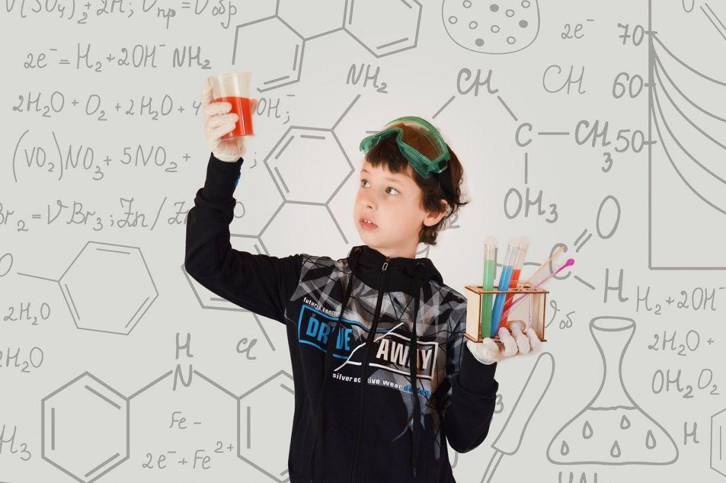 chemistry-5632650_1280.jpg