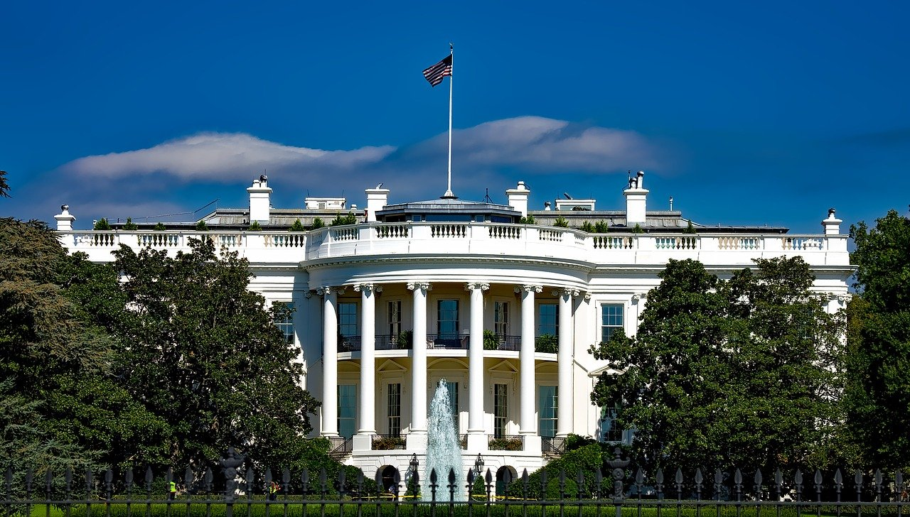 the-white-house-1623005_1280.jpg