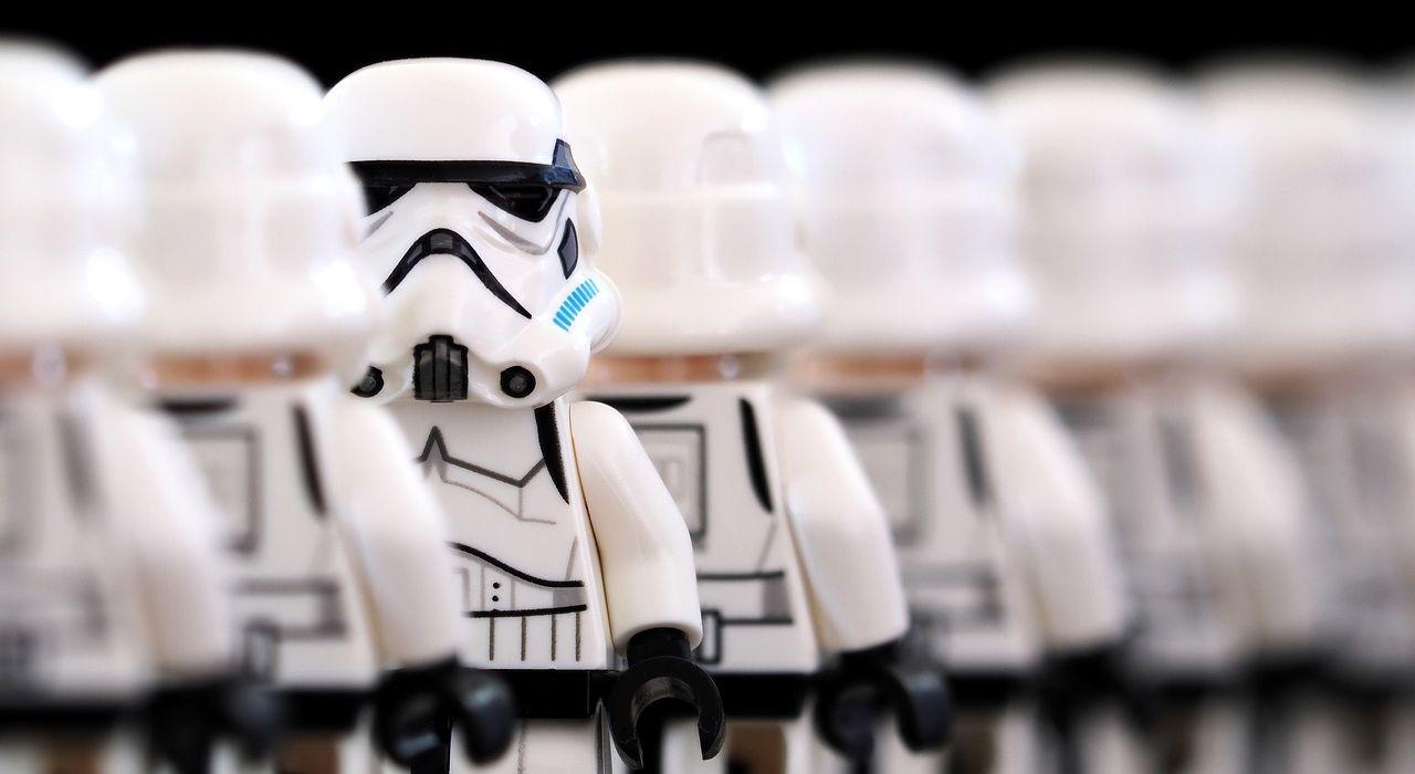 stormtrooper-2899982_1280.jpg